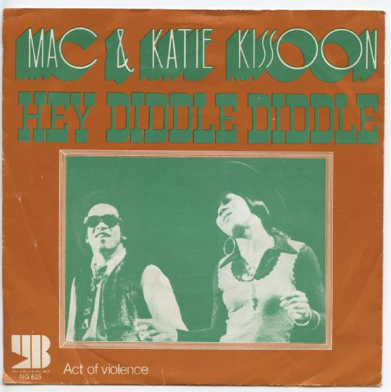 "MAC & KATIE KISSOON ""Hey diddle diddle"""