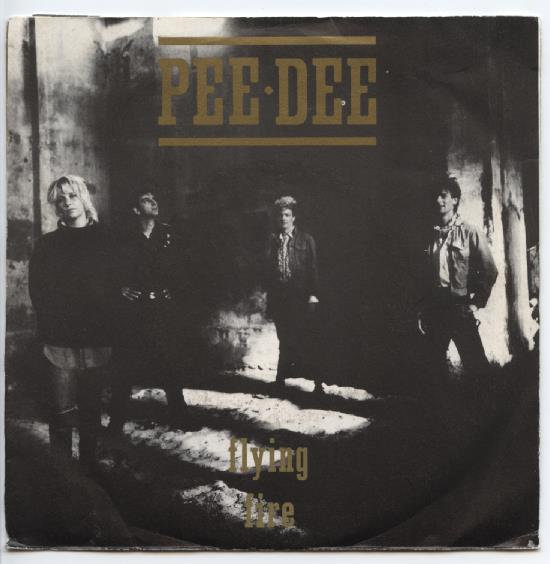 "PEE DEE ""Flying"""
