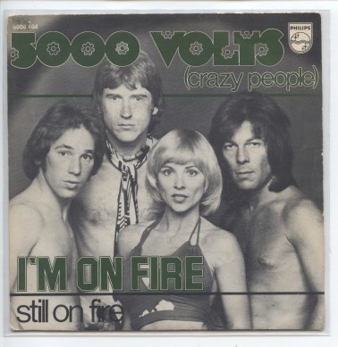 "5000 VOLTS ""I'm on fire"""