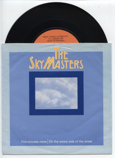 "SKYMASTERS ""Five minutes more"""